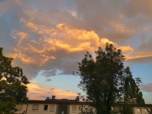 Sonnenuntergang und Wolkendrama am Himmel
