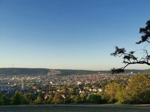 Ausblick morgens über Stuttgart vom Bismarckturm
