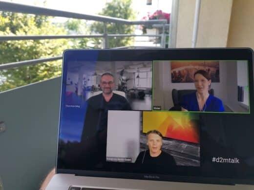 Auf dem Balkon mit MacBook Pro und dem d2mtalk mit Vivian Pein
