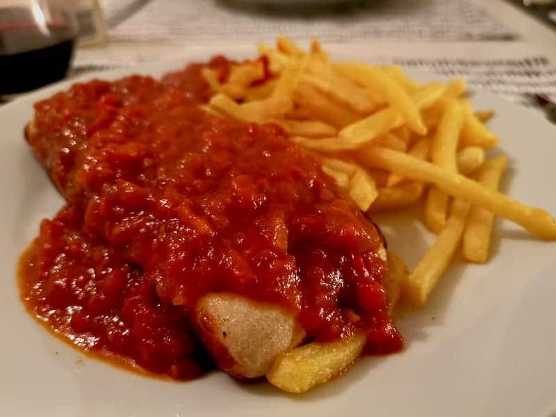 Leckere Currywurst nach einem Rezept von Jay F Kay