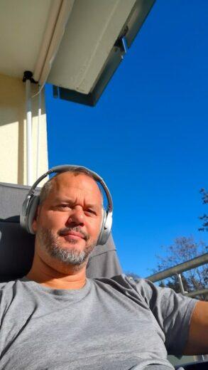 Herrlich in der Sonne im T-Shirt Mitte Dezember für knapp 2 Stunden auf dem Balkon!