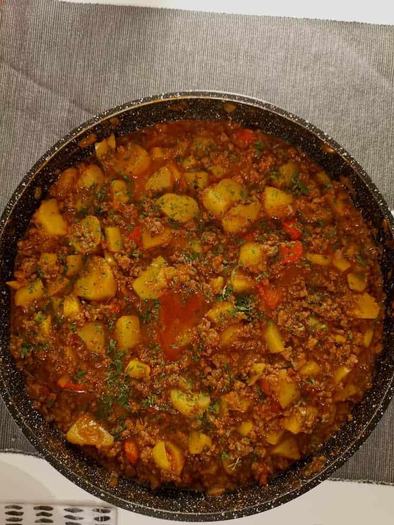 Bauerntopf mit Hackfleisch, Kartoffeln und Paprika nach einem Rezept von Einfach Malene