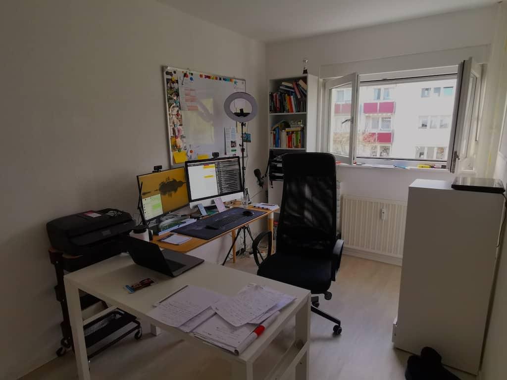 Arbeitszimmer nach dem Umräumen