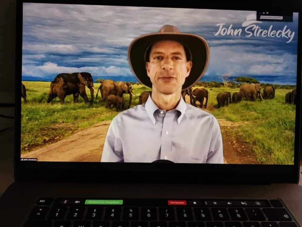 John Strelecky bei einer Zoom Infoveranstaltung zu seinen Seminaren