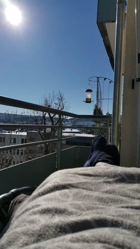 Fast eine Stunde auf dem Balkon in der Sonne...