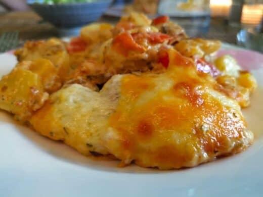 Sahras fantastischer Kartoffel-Paprika-Knoblauch-Käse-Auflauf