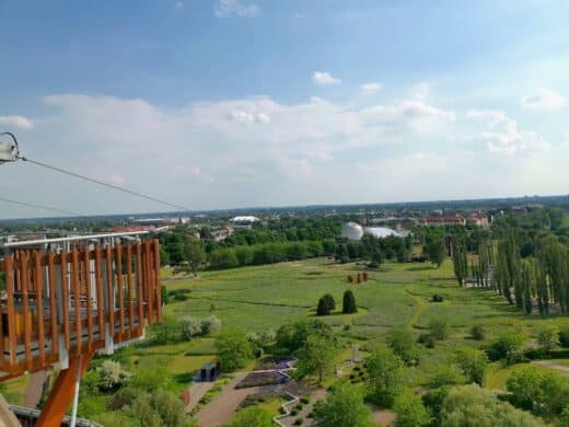 Der Ausblick vom Jahrtauendturm im Elbauenpark Magdeburg