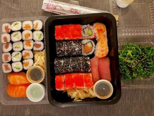 """Familen-Platte Sushi von """"Time for Sushi"""" Stuttgart-Ost"""