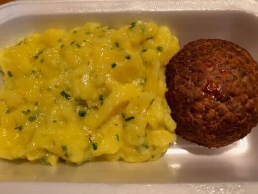 Fleischpflanzerl mit Kartoffelsalat für mich vom Landmetzger Witt