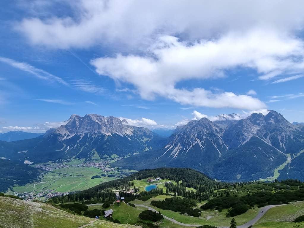 Aussicht vom Gipfelhaus Grubigstein