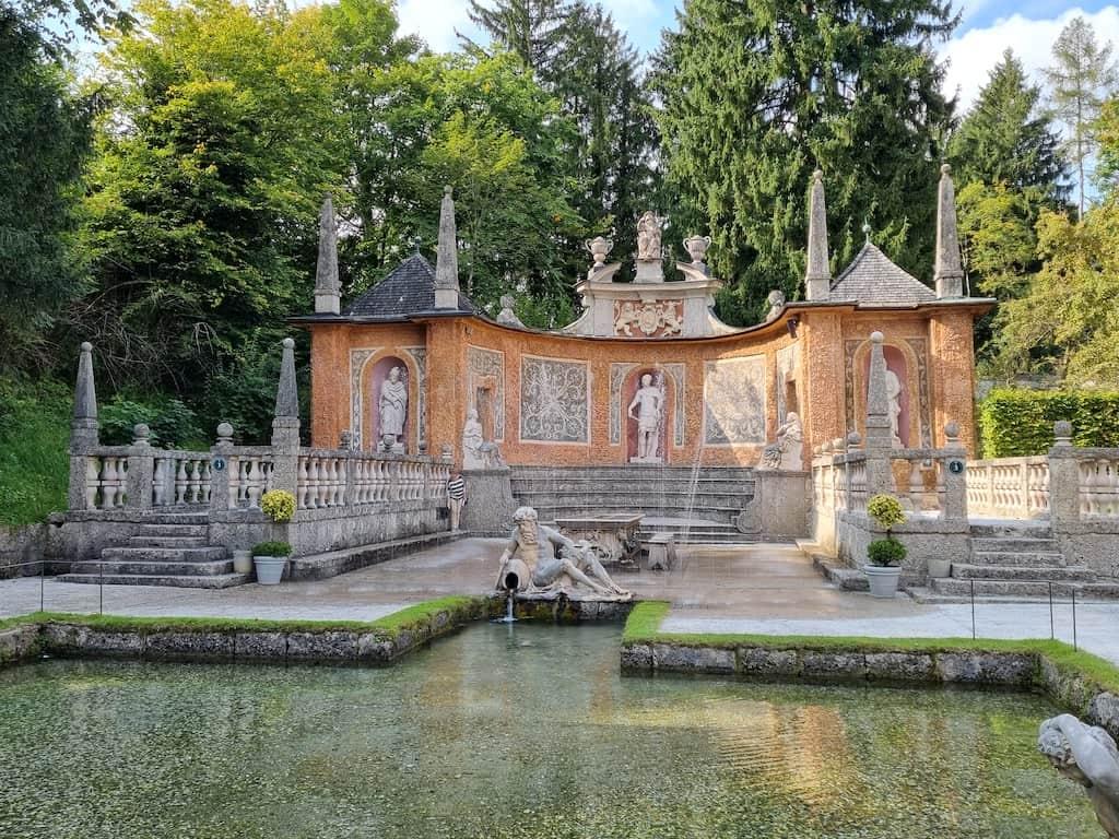 Fürstentisch Hellbrunner Wasserspiele