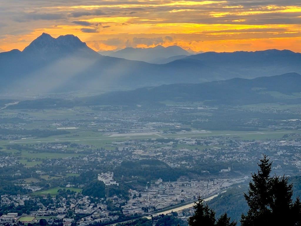 Sonnenuntergang in Salzburg vom Gaisberg aus