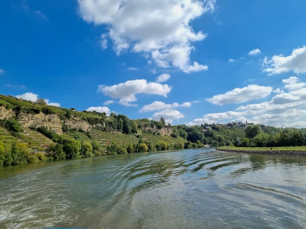 Ein Blick zurück und Du siehst, warum ich so gerne mit dem Schiff auf dem Neckar fahre